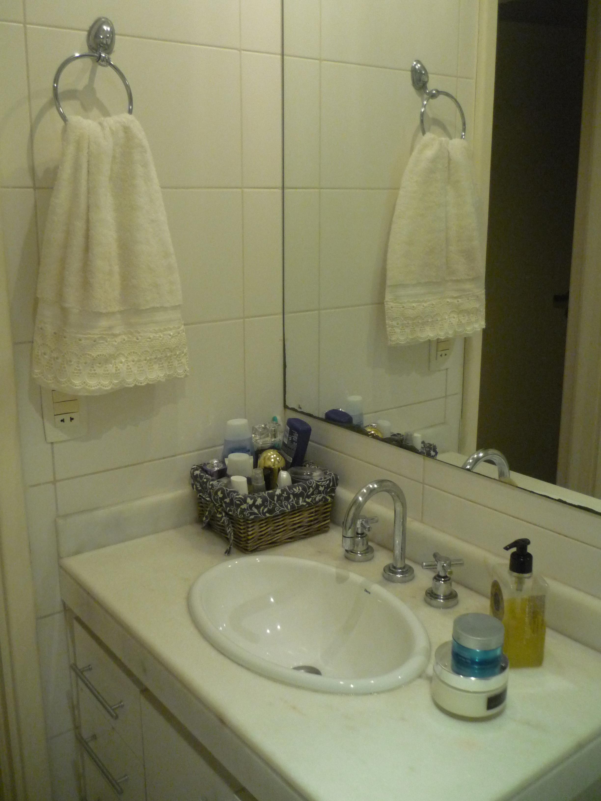 Aqui o banheiro como ela costuma deixar no dia a dia! #37605F 2448 3264