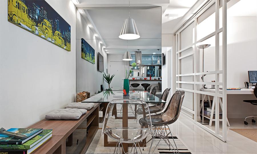 """Banco Na Sala De Jantar ~ Genial essa """"mistureba"""" que deu certo banco de madeira + cadeiras"""