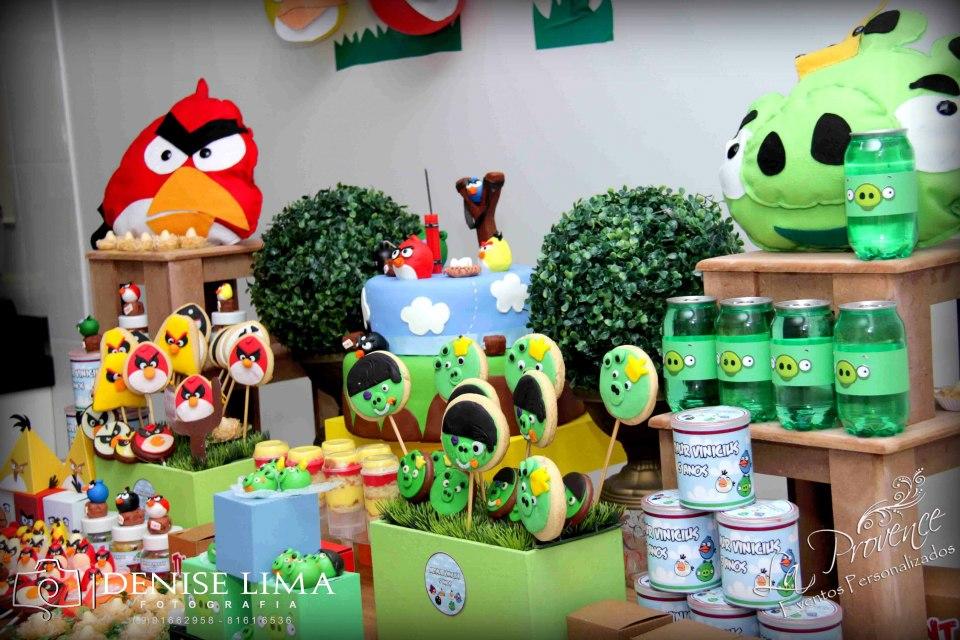 Colorido Angry Birds Personagens Vector: A CASA DAS GURIAS