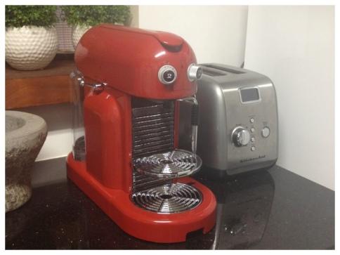 Nespresso_ACDG 00